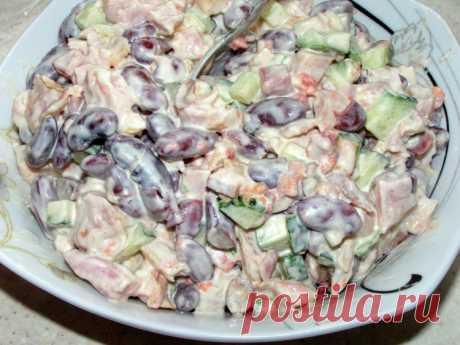 Салат с фасолью и сухариками «Одно мгновение» / Простые рецепты