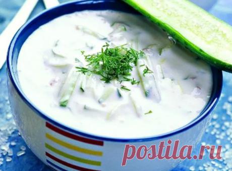Рецепт легкого супа – лучшего блюда для летнего сезона В жаркие летние дни многие домашние хозяйки радуют своих членов семьи необычными летними супами, которые подаются в охлажденном виде.