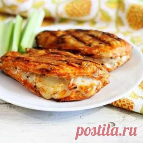 Восхитительная куриная грудка с сыром Блюдо получится очень вкусное сытное.