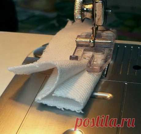 Позиционирование материала для машины слепой шить