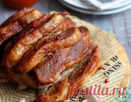 Свиная корейка с чесноком и пряностями – кулинарный рецепт