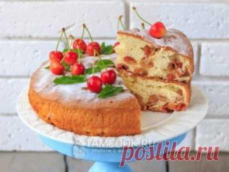 Шарлотка с черешней — рецепт с фото Готовим летний вариант всеми любимого пирога - пышную, ароматную и вкусную шарлотку со свежей черешней.