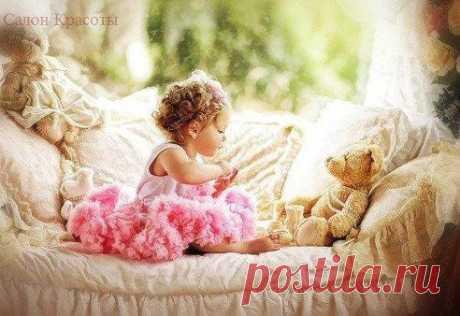 Счастье девушки заключается в том, чтобы стать прекрасной Невестой, любимой Женой и счастливой Матерью.