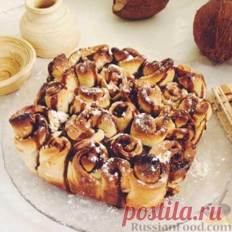 Булочный пирог с корицей и орехами. Неповторимый аромат, вкус и оригинальное исполнение пирога из дрожжевых булочек с орехами и корицей!