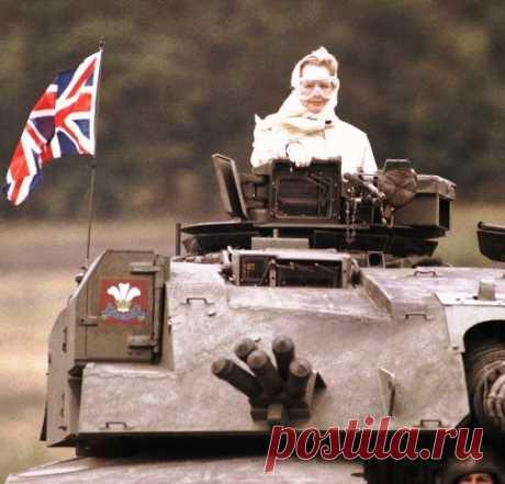 """""""Железная Леди"""" мира политики -- Маргарет Тэтчер (1925—2013) 8 апреля 2013 не стало «Железной Леди» Маргарет Тэтчер. Она поднялась от дочери бакалейщика до первой и единственной в истории Великобритании женщины-премьера (1979—1990).  Маргарет Робертс родилась 1…"""