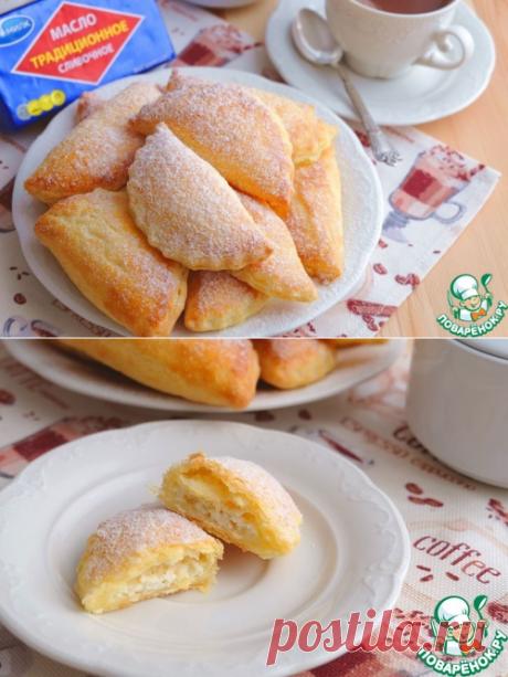 Los pastelillos-bollos de hojaldre con el requesón - muy tierno y seductor, por que no existe igual