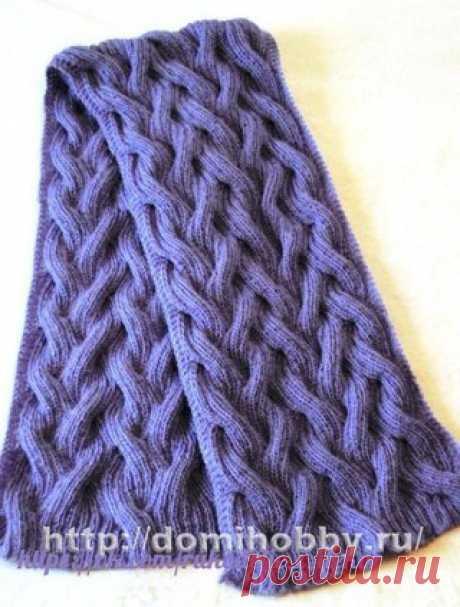 Шарф.  Прекрасная модель вязаного шарфа спицами из пушистого мохера. Интересный узор простых переплетений не только красив, но и придает объем вязанному полотну. Для шарфа размером 20 х 120 см вам потребуется 200 гр мохеровой пряжи (30% мохера, 60% акрила, 500м/100гр); спицы № 4,5; дополнительная спица. Показать полностью…