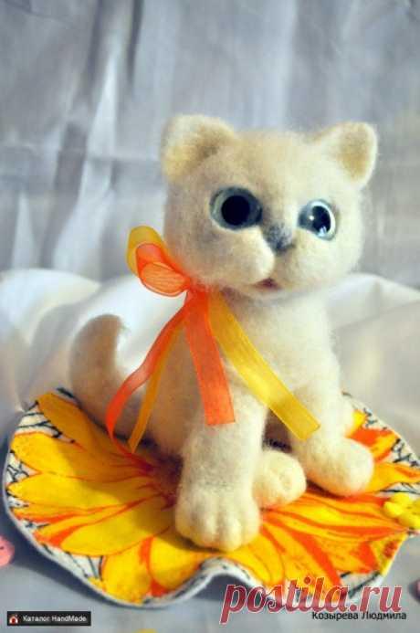 Авторская игрушка Валяная кошечка Люси HandMade