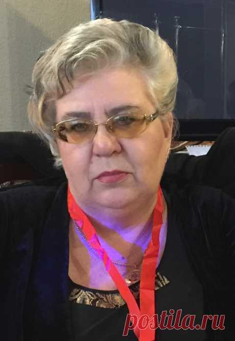 Елена Генанова