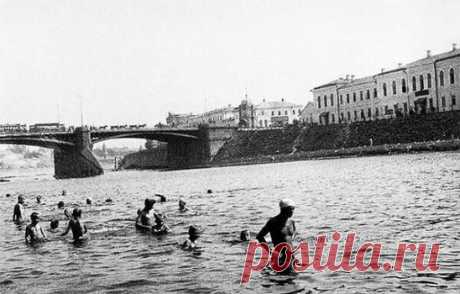 Летняя и чистая Москва-река, СССР, 1926 год.