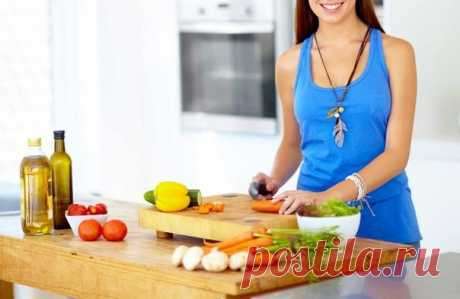 ХОРОШИЙ СПИСОК ПРОДУКТОВ И БЛЮД ДЛЯ ПОХУДЕНИЯ Худеть легко, если делать это по правилам. Хороший список продуктов и блюд для похудения пригодится вам, если вы страдаете лишним весом.   - Салаты (заправлять желательно оливковым маслом):  Винегрет, Греческий, Цезарь, Овощной в различных комбинациях (огурцы, помидоры, болгарский перец, капуста, зелень, оливки, листья салата).  Показать полностью…