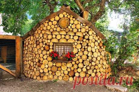 Экостроительство: Очаровательные дома из дров и глины в современном прочтении