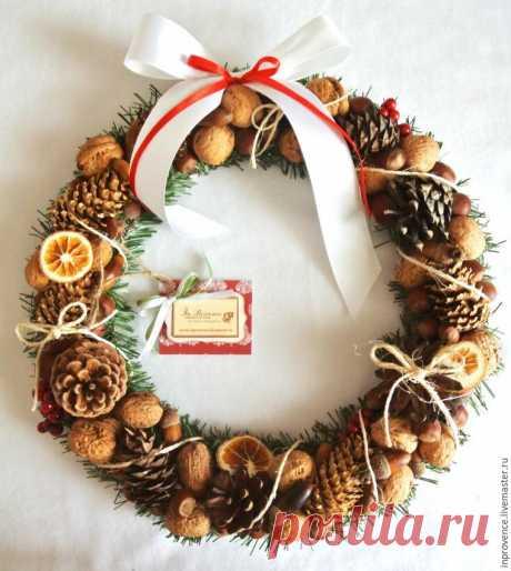 Делаем новогодний венок из шишек и орехов - Ярмарка Мастеров - ручная работа, handmade