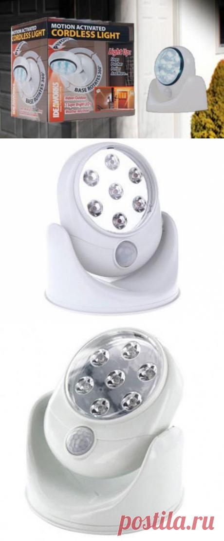 Светильник cordless light понадобится тем, у кого имеется собственный дом, дача или квартира с кладовкой. Он в полной мере доставит удобство использования, а главное к нему ни требуется никаких проводов.  Также, светильник можно использовать на улице и освещать определенный участок местности, ведь его сборка позволяет не проникать воде. Многие хозяева частных домов уже приобрели и установили светильник над входом в дом.