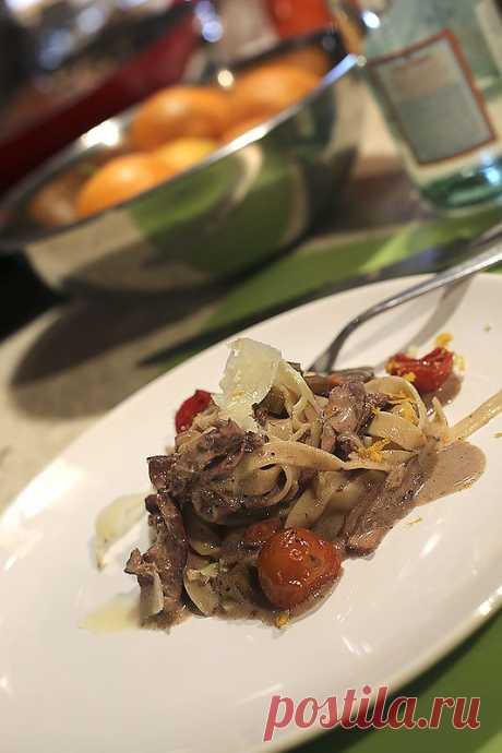 Как итальянцы песто готовили. Основательное рагу из кролика. Десерт по-быстрому.