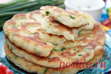 Лепешки с зеленым луком на сковороде. Рецепт теста на кефире