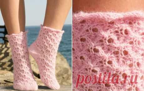 Розовые ажурные носочки спицами - подробная схема с описанием