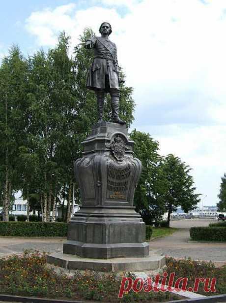 Памятник Петру Первому. Петрозаводск