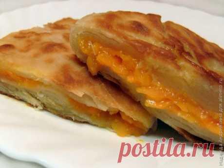 👌 Плацинда с тыквой, рецепты с фото Плацинда – это молдавская пресная лепешка с начинкой. Одна из самых популярных начинок – тыква. Простейшее тесто делается на воде, есть еще вкусное тесто на кефире, оно может быть...