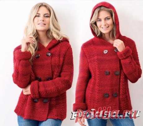 Красное мини пальто спицами