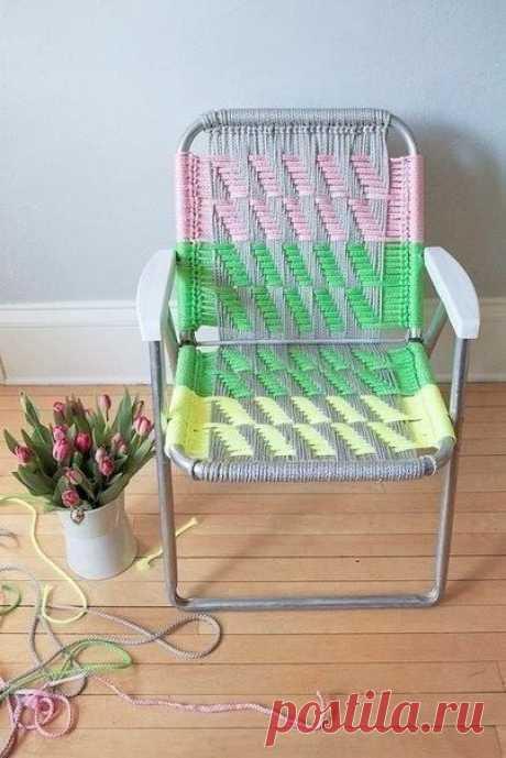 Обновление кресла Обновление креслаОбновление кресла можно сделать таким способом, как показано в мастер-классе.Приятных вам посиделок.