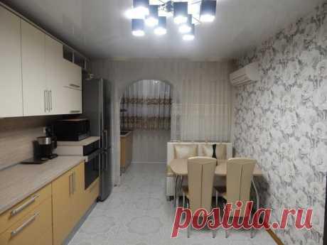 La cocina: varochnaya el panel y la campana de cocina - en el balcón