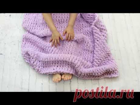 Детский плюшевый плед Вяжем руками без спиц и крючка Alize puffy