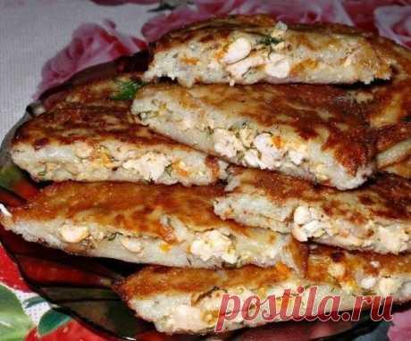 Колдуны картофельные с мясом.  Ингредиенты: Растительное масло для жарки Картофель — 10 Штук Expand text…