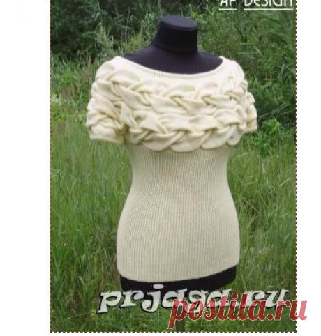 Пуловер «Окутанная косами» спицами