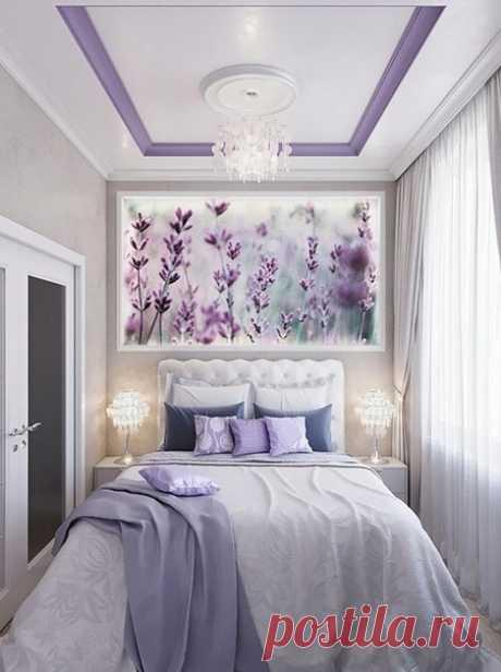 Уютная спальня с лавандовым оттенком