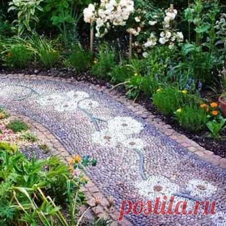 Как сделать красивые садовые дорожки с мозаикой из камня - Учимся Делать Все Сами Садовые дорожки могут стать удивительно красивым элементом вашего сада, если сделать их с мозаикойи