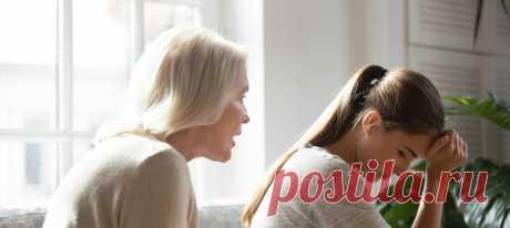На одном из новостных форумов девушка написала пост о ссоре с матерью. Кажется, ничего необычного, ведь все знают, какими непростыми могут быть отношения между родителями и детьми. Но если дело касается семейной тайны, страсти могут накалиться до предела. #детииродители #семейныеотношения #мужчинаиженщина #манипулирование