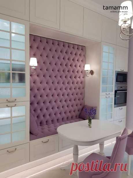Сиреневая стеновая панель на кухню на заказ по индивидуальным размерам