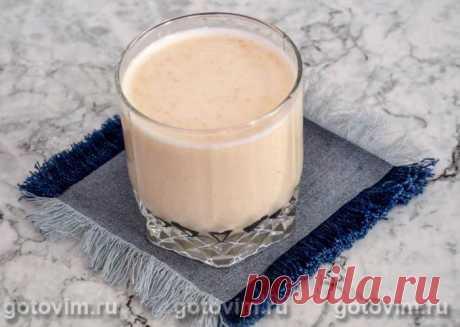 Овсяное молоко. Рецепт с фото Приготовьте полезный напиток из овсяных хлопьев по этому рецепту. Считается, что овсяное молоко особенно полезно людям с патологиями пищеварительного тракта и ферментной недостаточностью. Еще напиток помогает повысить иммунитет. На основе овсяного молочка делают различные смузи и коктейли. Время приготовления овсяного молока составляет 12 часов. Состав продуктов в рецепте рассчитан на 2 порции.