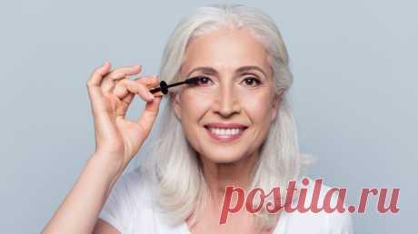 Возрастной макияж: основные правила и принципы, которые молодят  С возрастом всем нам необходимы специальные beauty-продукты, продлевающие молодость и улучшающие состояние кожи. Но не менее важно знать секреты возрастного макияжа, который поможет «убрать» с лица несколько лет.
