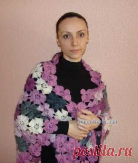 Вязаная шаль из цветочных мотивов — работа Евгении Руденко Здравствуйте, меня зовут Евгения. Решила поделиться с Вами своими работами. Начать решила с шали из цветочных мотивов, пряжу использовала Alize Angora Real 40