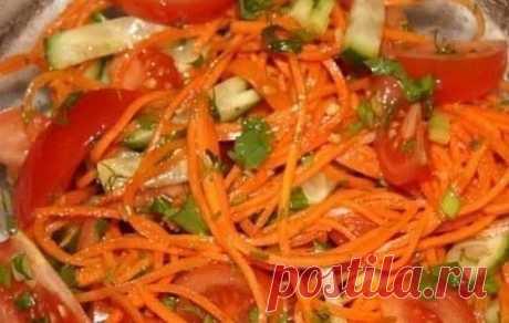 9 вкуснейших салатов на каждый день!  Подборка:  1. Салат с сухариками. 2. Салат с копченым сыром. 3. Хрустящий салат с ананасами и курицей. 4. Салат из пекинской капусты с курицей. 5. Итальянский салат с ветчиной, сыром и овощами. 6. Салат с яйцом и ветчиной. 7. Салат с курицей, фасолью и сыром. 8. Быстрый салат с фасолью и крабовыми палочками. 9. Салат с корейской морковкой.  1. Салат с сухариками  Ингредиенты:  Огурец свежий большой — 1 шт. Грудка куриная отварная (или ...