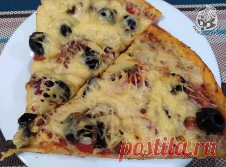 Друг, работавший в итальянской пиццерии, поделился рецептом. Теперь наша пицца - гордость всей семьи