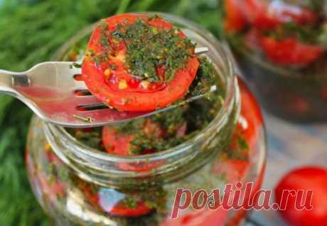 Закуска из помидор на закатку: закладываем в банки с зеленью и чесноком