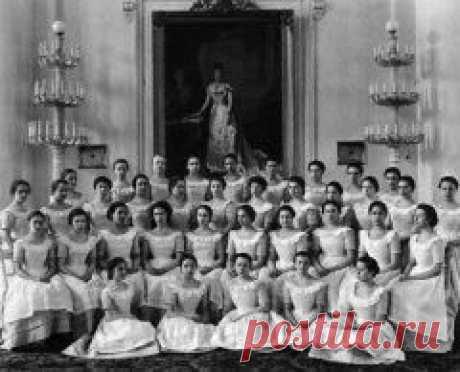 Сегодня 05 мая в 1764 году В Петербурге основан Смольный институт благородных девиц