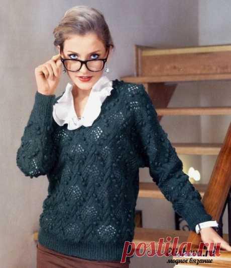 """Нарядный пуловер """"Училка"""" с шишечками вязаный спицами"""