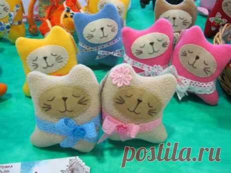 Подушки кошки своими руками с выкройками и схемами