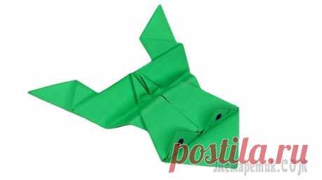 Как сделать прыгающую лягушку из бумаги 🐸 Лягушка оригами Как сделать прыгающую лягушку из бумаги 🐸 Лягушка оригами. Оригами лягушка — знакомое с детства развлечение, когда устраивались целые соревнования на лучшую прыгучесть этого персонажа. Симпатичную пры...