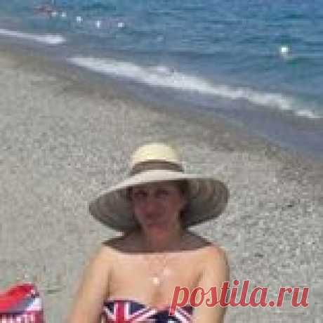 Elena Charniak