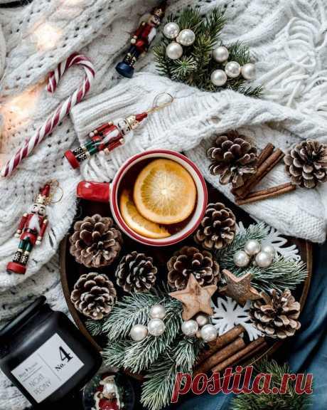 Зима - это одна большая волшебная сказка. В ней три главы и бесконечное число чудес...
