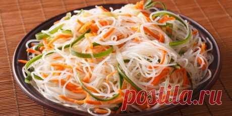 Рисовая лапша с овощами и тофу