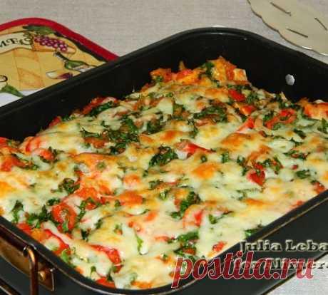 El tostado de gallina de lavasha - la varita mágica simple y apetitosa para las amas ocupadas