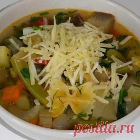 Итальянский сезонный суп минестроне