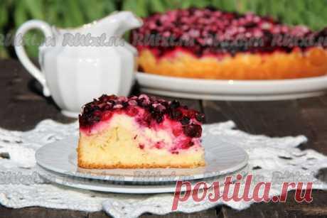 Пирог с творогом и замороженными ягодами от nichka  Предлагаю рецепт вкусного пирога с творогом и замороженными ягодами. Ягодки можно взять любые: вишню, чёрную или красную смородину, клюкву или бруснику (я сделала ягодное ассорти). Творожок подойдёт любой жирности, даже сухой с крупинками. Пирог получается просто потрясающим, высоким и красивым, а главное - нежным и вкусным. Для приготовления пирога с творогом и замороженными ягодами нам потребуется: Для теста: мука - 250...