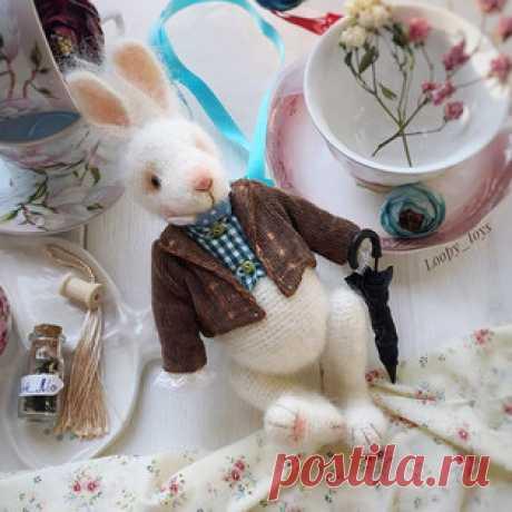 Пасхальный кролик амигуруми. Схемы и описания для вязания игрушек крючком! Бесплатный мастер-класс от Инны Волковой по вязанию пасхального кролика крючком. Высота вязаной игрушки примерно 22 см. Для изготовления такого крольч…